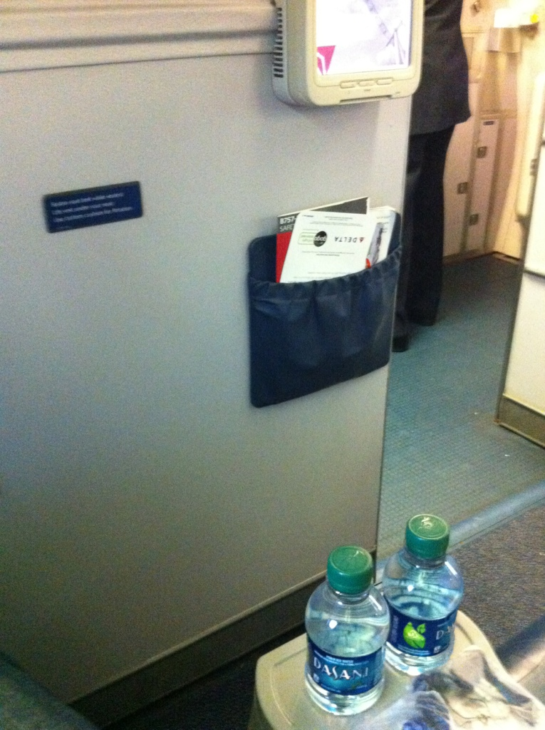 Seat 1A on Delta 757